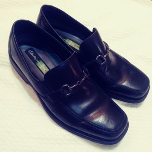 Men's Clark's, black loafers size 11.5 m. Leather